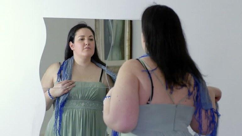 Бачити себе товстою уві сні в дзеркалі, особисто і з боку: розшифровка по сонникам