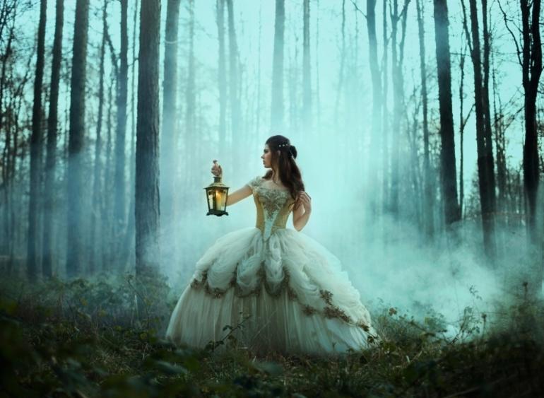 Бачити себе в сні в білому платті: тлумачення для нареченої, дівчата і заміжньої дами, приміряти чужу
