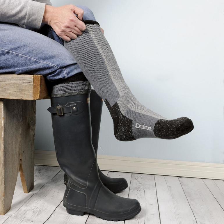 Чоботи по соннику: тлумачення для жінки і чоловіки, що означає приміряти взуття