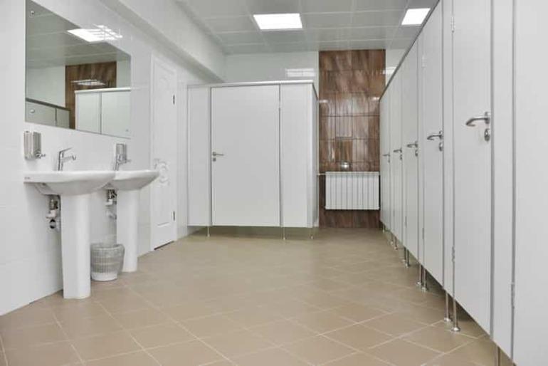 До чого приснився громадський туалет: трактування різних снів про відхоже місце