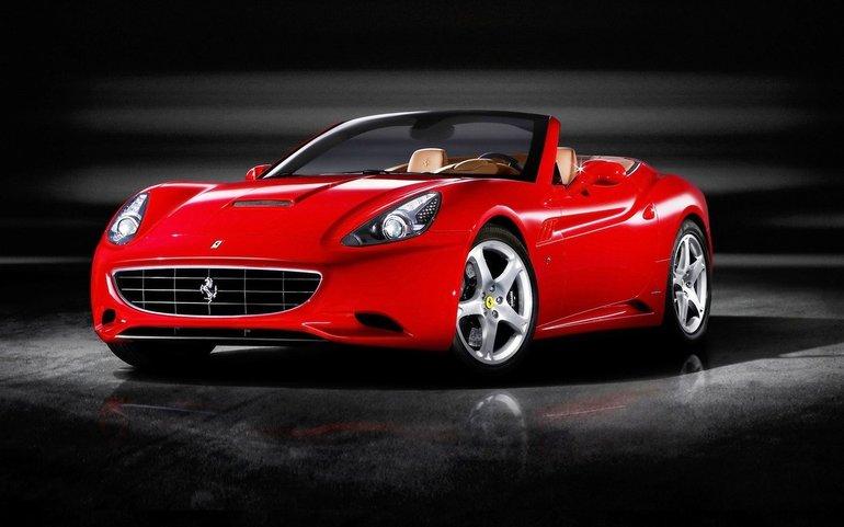 До чого сниться червона машина: різні сонники про їзді за кермом автомобіля