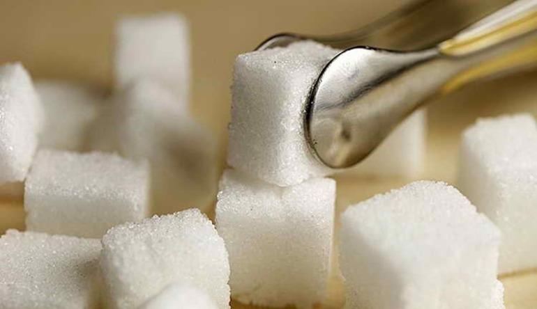 До чого сниться цукор: що означає пісок і рафінад по сонникам, якщо розсипати або підмітати його
