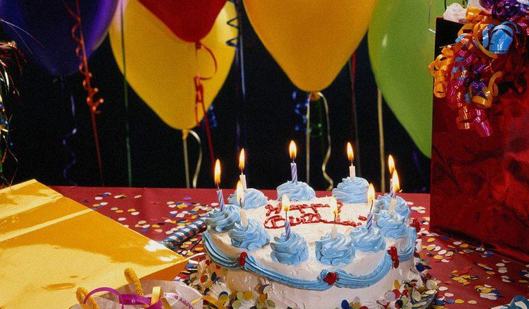 До чого сниться день народження: значення свого або чужого свята по сонникам