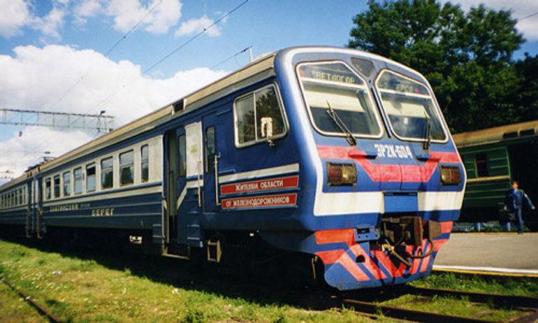 До чого сниться електричка: що означає бачити поїзд, їхати на ньому або запізнитися на посадку у вагон по соннику