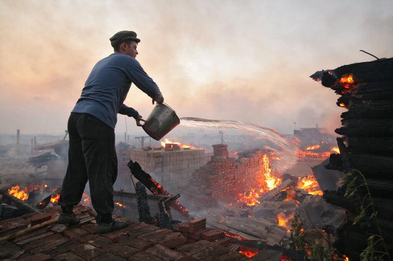 До чого сниться гасити вогонь: бачити пожежа у своєму або чужому будинку, трактування в популярних сонники