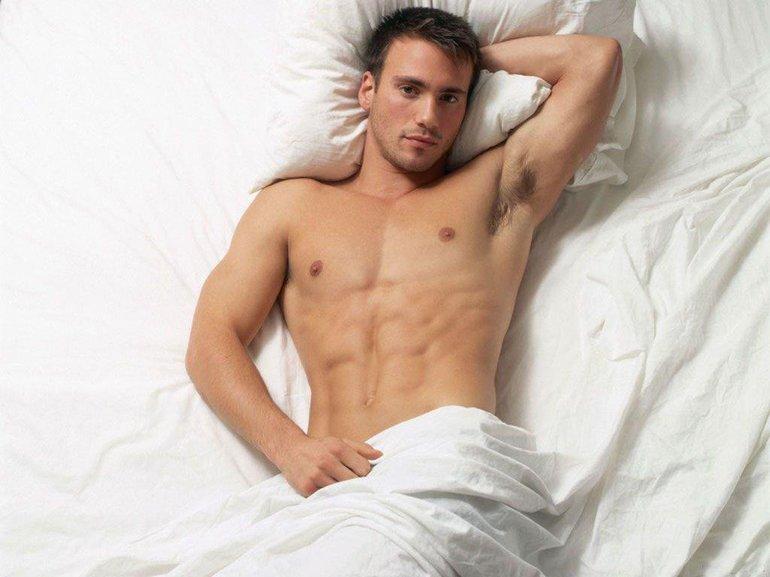 До чого сниться голий чоловік: значення для хлопця по соннику, що означає для жінки спати з коханою