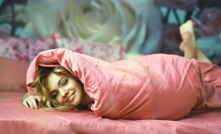 До чого сниться ковдру чоловікові або жінці: дитяче, рване, нове або мокре