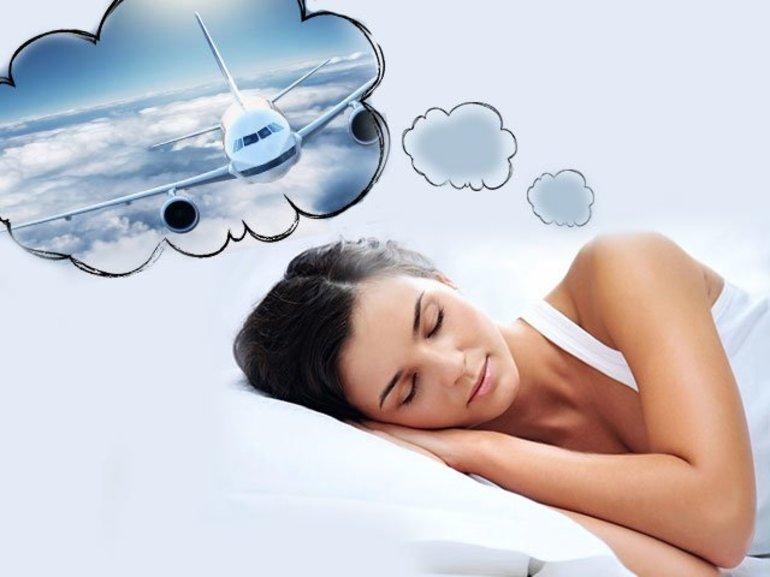 До чого сниться летіти на літаку: значення по сонникам для чоловіків і жінок, про що скажуть деталі сну