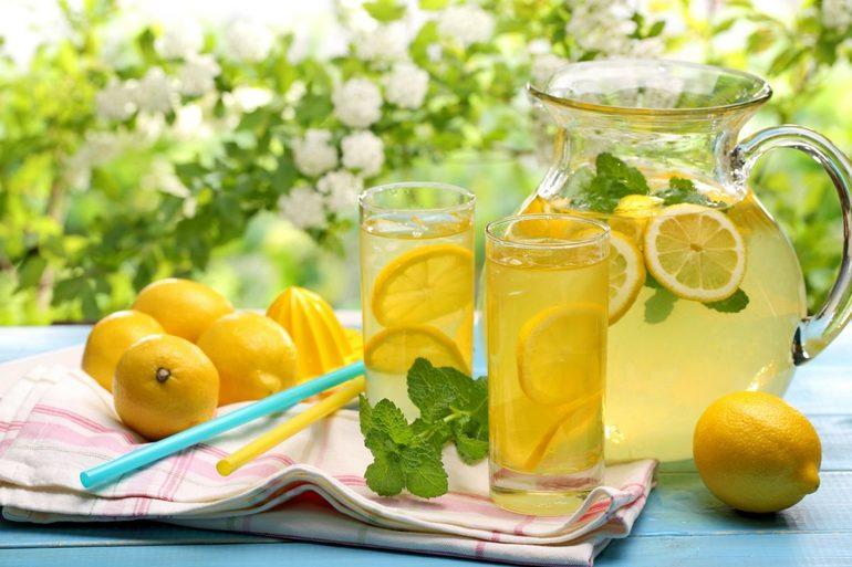 До чого сниться лимон: значення сну з жовтим плодом на дереві або тарілці, тлумачення за різними сонникам