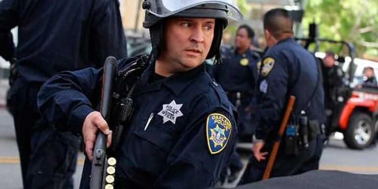 До чого сниться міліція: бачити себе в міліцейській формі, бути затриманим, інші тлумачення за різними сонникам
