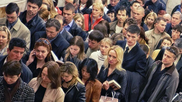 До чого сниться натовп людей: що означає бачити скупчення народу на вулиці, в храмі або незнайомому приміщенні