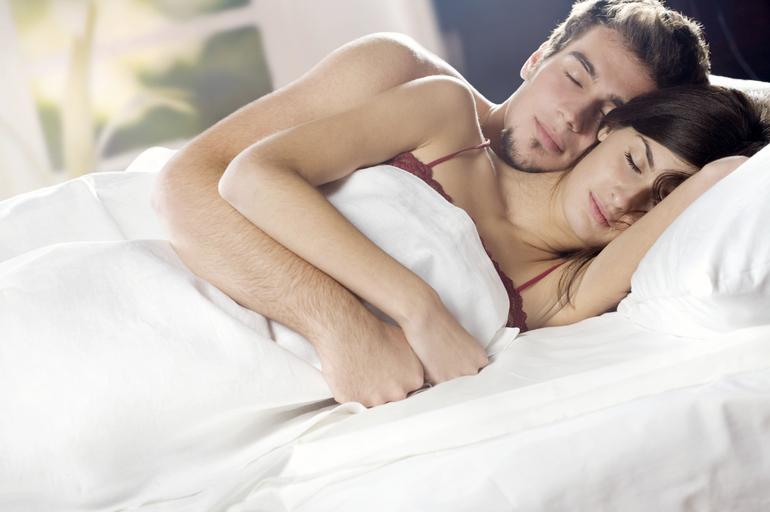 До чого сниться обійматися з чоловіком: значення сну, в якому наснилися обійми з чоловіком, улюбленим хлопцем або незнайомцем