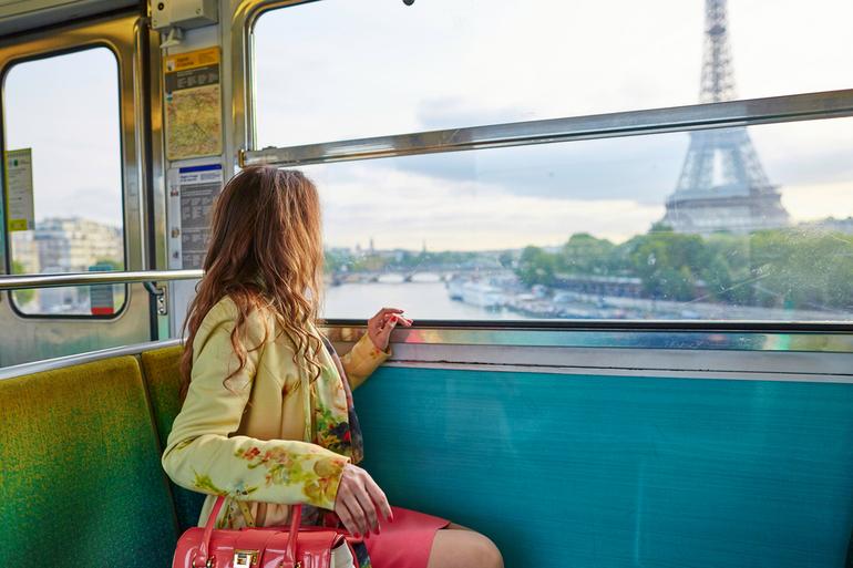 До чого сниться поїздка на поїзді: тлумачення для жінки, їхати з дитиною в сні