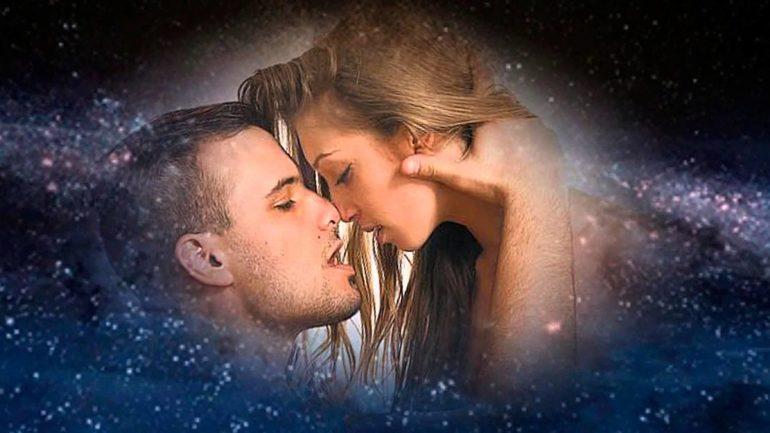 До чого сниться поцілунок з незнайомим хлопцем або чоловіком: трактування різними сонникам