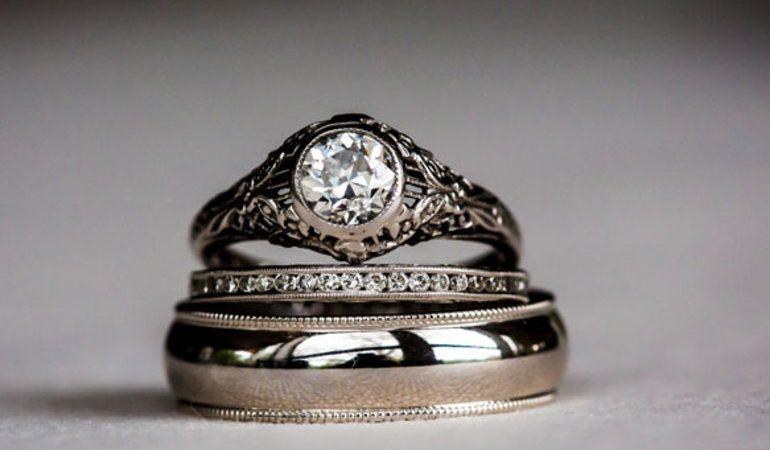До чого сниться срібло: наснилися срібні прикраси, знайти перстень, ланцюжок