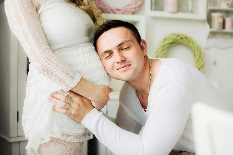 До чого сниться вагітна дружина: тлумачення для чоловіка, основні значення, що означає побачити колишню з животом