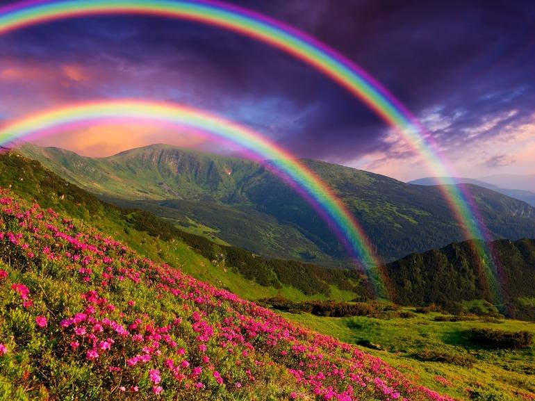 До чого сниться веселка: що означає фотографувати, малювати, чіпати рукою різнобарвну арку в небі
