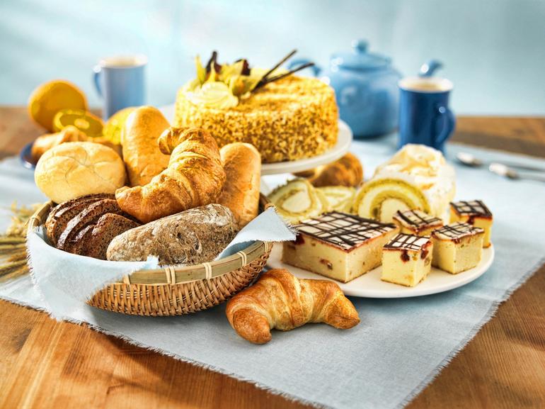 До чого сниться випічка: тлумачення снів зі свіжими і солодкими борошняними виробами, думка різних сонників