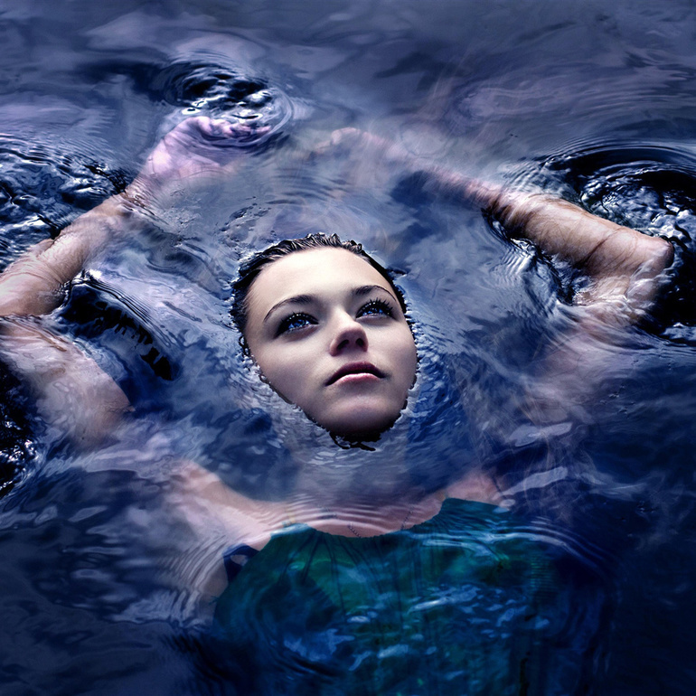 До чого сниться вода: значення і тлумачення світлої і темної рідини по соннику