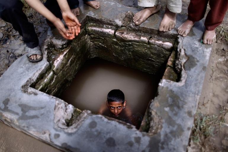 До чого сниться яма в землі: велика і маленька, з водою і сміттям, тлумачення з різних сонників