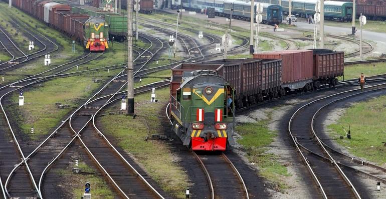 До чого сниться залізниця: тлумачення по сонникам, значення снів з поїздом і рейками