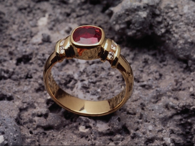 До чого сниться золото: знайти золото уві сні, продавати, збирати або дарувати золоті вироби