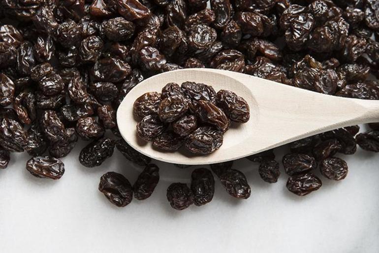 До чого сниться ізюм: основні трактування образу сушеного винограду у відомих сонники