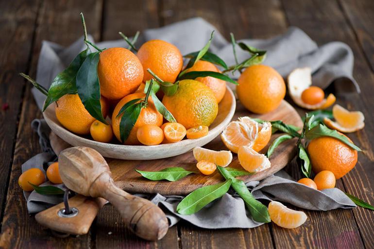 До чого сняться мандарини: що означає зривати з дерева багато фруктів, бачити гнилі плоди,