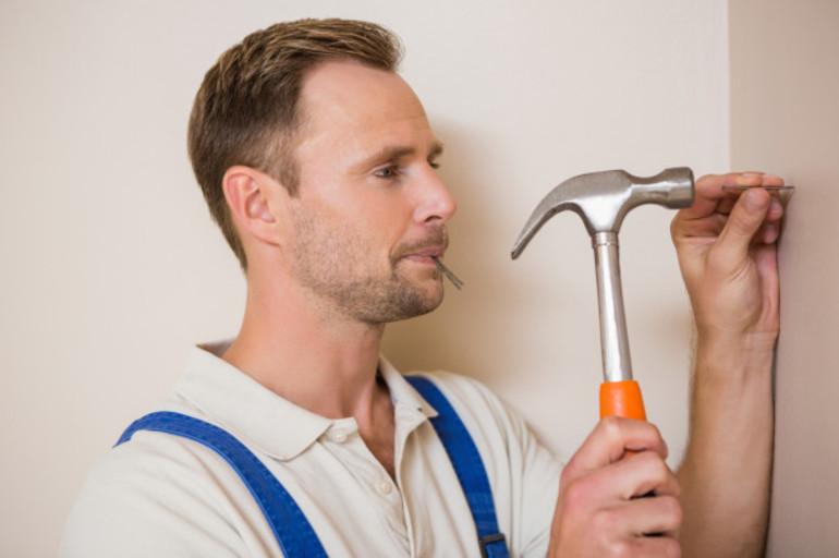 До чого сняться нігті: настати, збирати, забивати молотком або класти в рот