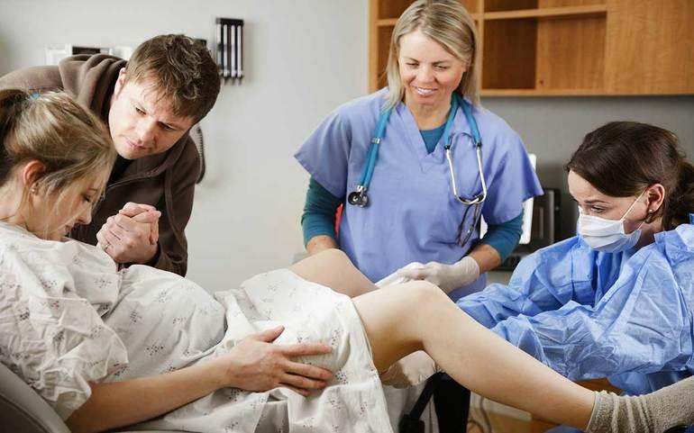 До чого сняться пологи вагітної: народження дитини за сонником, тлумачення для жінок
