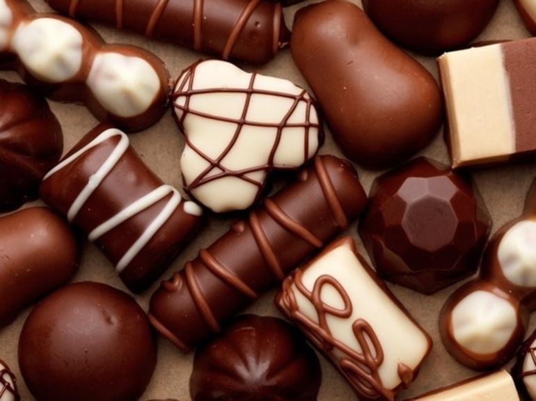 До чого сняться шоколадні цукерки: що означає їсти солодощі або купувати красиву коробку по соннику