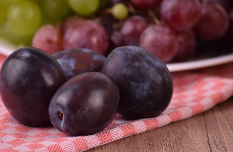 До чого сняться сливи: тлумачення сливового саду сониками, що означають великі фрукти на дереві