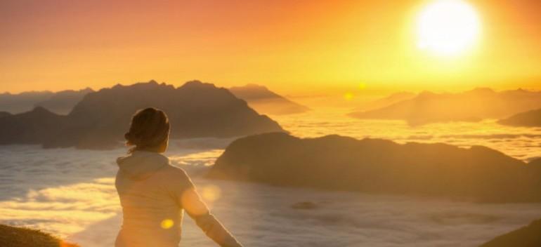 Ходити по воді уві сні: значення по сонникам, до чого сниться йти, бігти і не тонути по водній поверхні