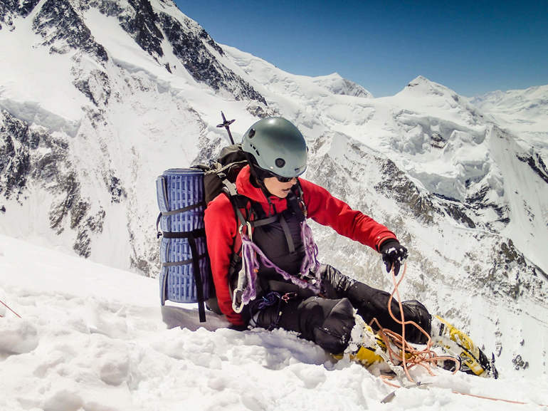 Кататися з гірки в сні по різним сонникам: спуск з водної, снігової та інших гірок