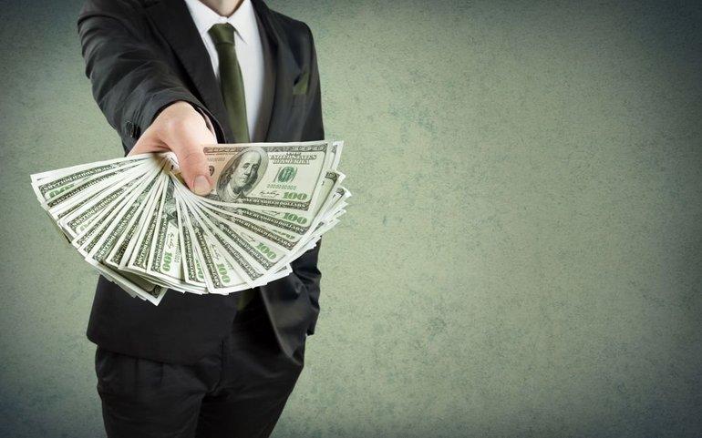 Отримувати гроші у сні: бачити велику суму, брати паперові гроші