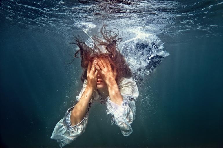Плисти у сні: сонники про воді і плавання, найпопулярніші тлумачення