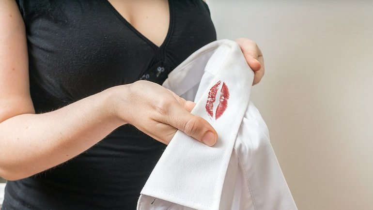 Помада сонники: до чого сниться вибирати або купувати губну декоративну косметику