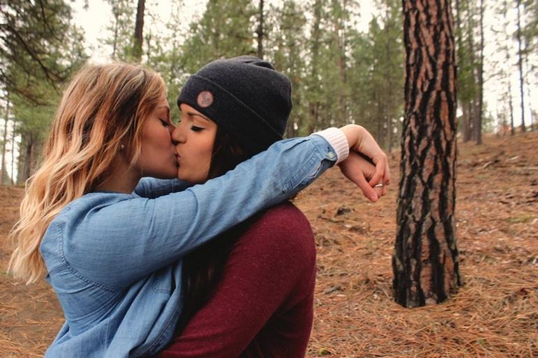 Приснилася лесбіянка: тлумачення сну, згідно сонникам різних укладачів