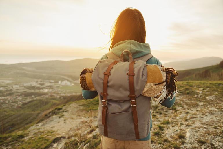 Рюкзак сонники: до чого приснилися різні види ранця і дії з ним
