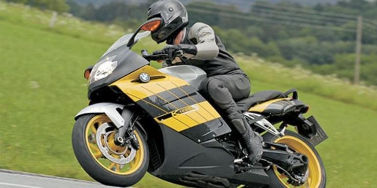 Сон про мотоцикл: тлумачення сюжету для дівчат і чоловіків з різних сонникам, що значить бачити і кататися на ньому