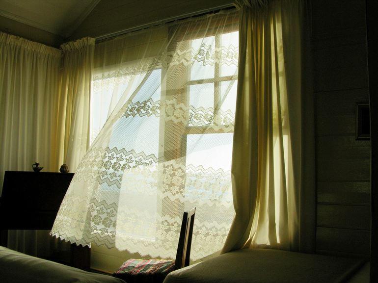 Сон, в якому була тюль: тлумачення в залежності від деталей, різні сонники