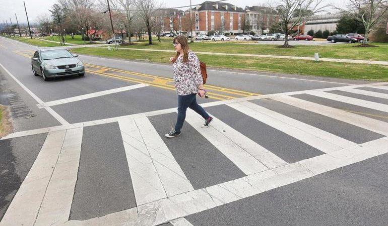 Сонник: до чого сниться переходити дорогу, пішохідний перехід