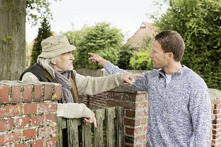 Сонник про сусідів: різні тлумачення, а також пояснення того, до чого сниться затопила зверху сусідка