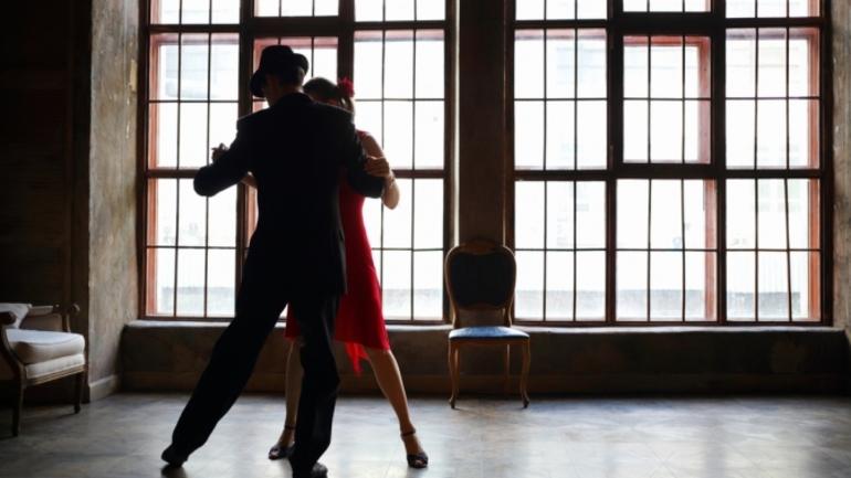 Танцювати по соннику: повільний танець, з коханою, незнайомим і колишнім чоловіком