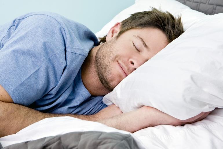 Тлумачення сновидінь по сонникам: до чого сняться кедрові шишки, ялинові, на тілі