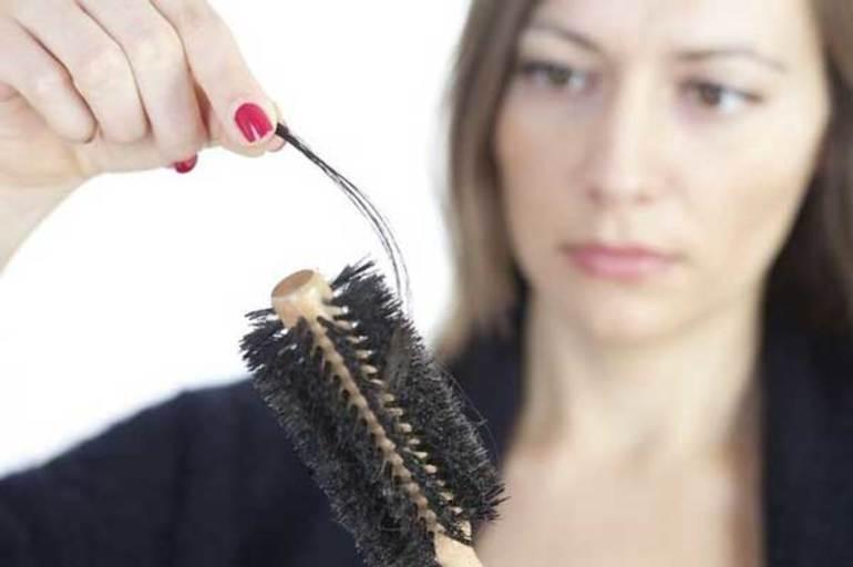 Якщо сниться випадання волосся з голови й тіла: до чого готуватися наяву згідно з тлумаченням відомих сонників