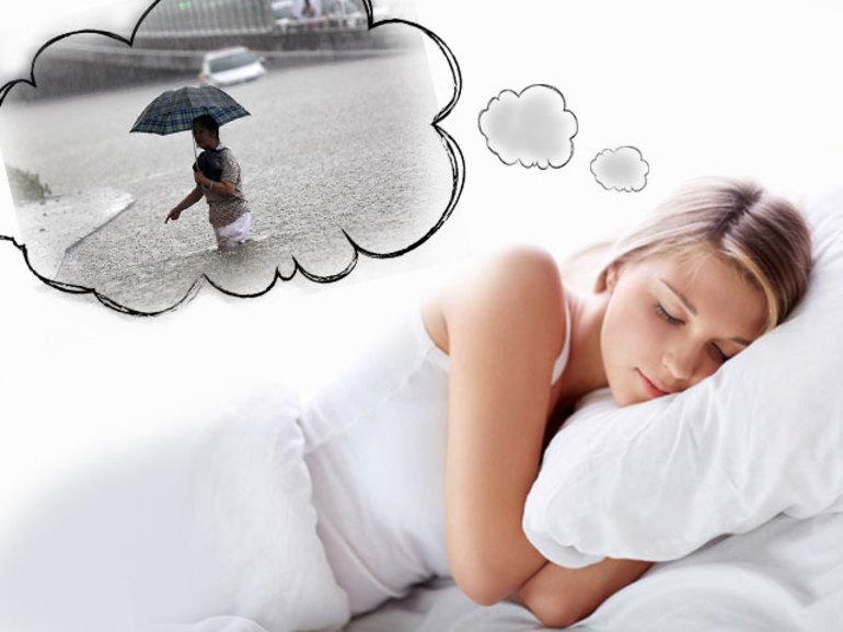 Значення снів з повінню згідно з різними сонникам