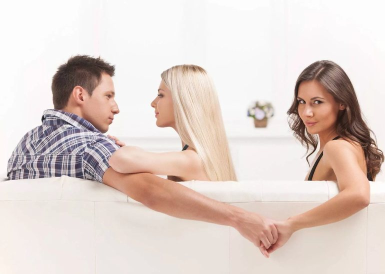 Зрада дружини або чоловіка, чужого людини уві сні, що можна дізнатися з тлумача снів